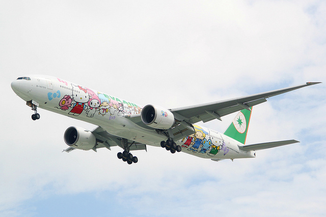 eva airways hello kitty jet